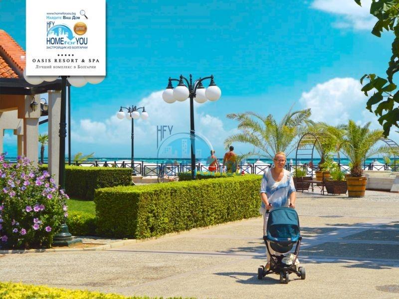 Продажа меблированной студии с видом на море в элитном комплексе на первой линии в городе Лозенец 15