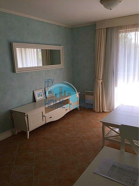 Меблированная трехкомнатная квартира на первой линии в Оазис Резорт & Спа, с.Лозенец 2