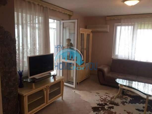 Большая двухуровневая квартира с двумя спальнями в центре города Бургас