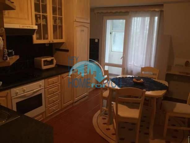Большая двухуровневая квартира с двумя спальнями в центре города Бургас 3