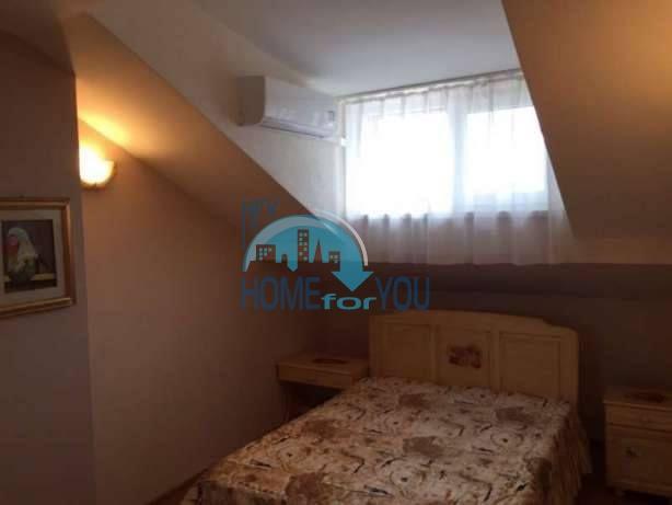 Большая двухуровневая квартира с двумя спальнями в центре города Бургас 4