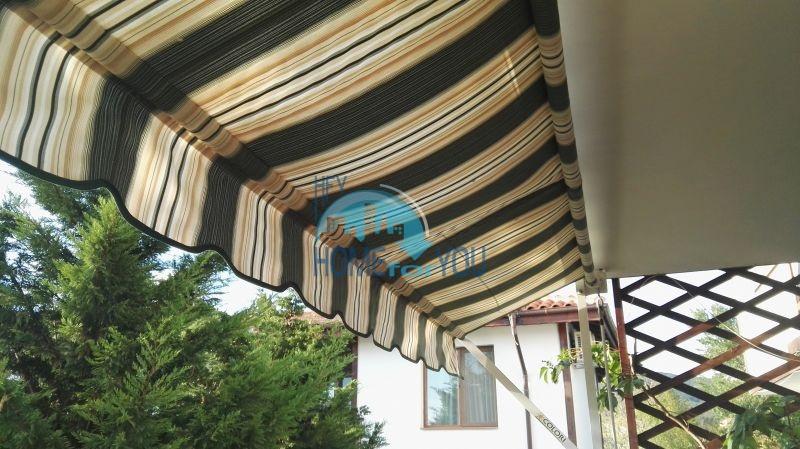 Добротный дом для постоянного проживания в местности Кошарица вблизи города Несебр 5