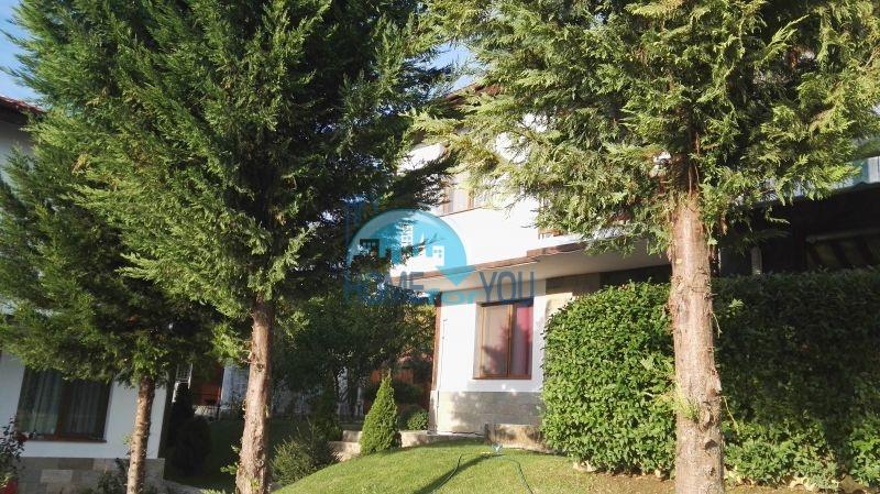 Добротный дом для постоянного проживания в местности Кошарица вблизи города Несебр 10