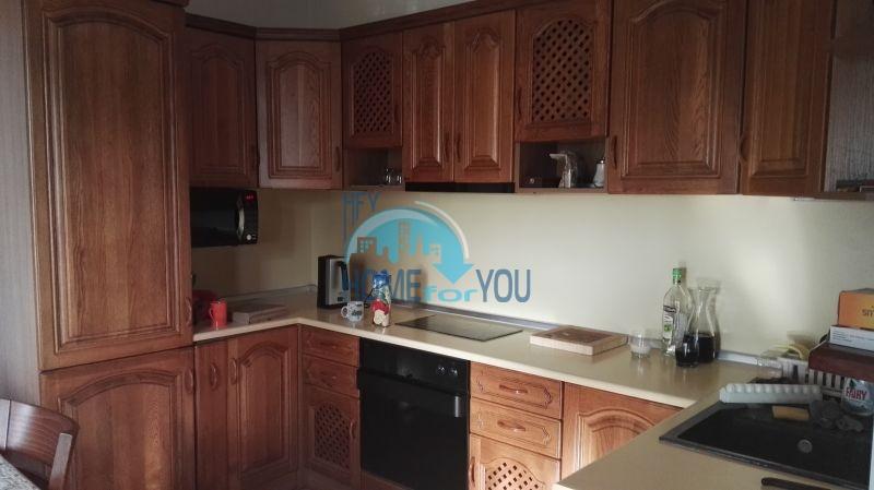 Добротный дом для постоянного проживания в местности Кошарица вблизи города Несебр 17