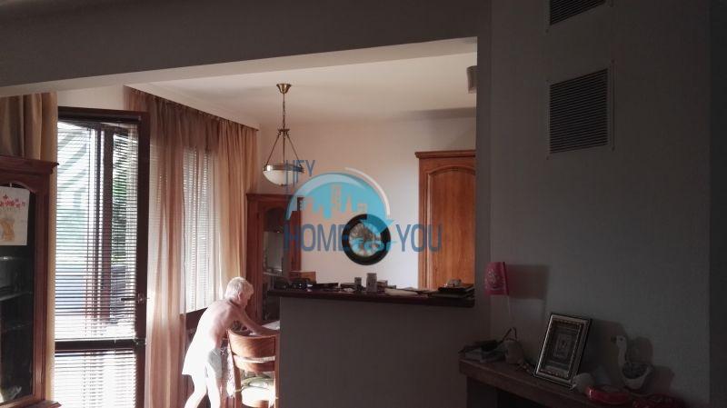 Добротный дом для постоянного проживания в местности Кошарица вблизи города Несебр 18