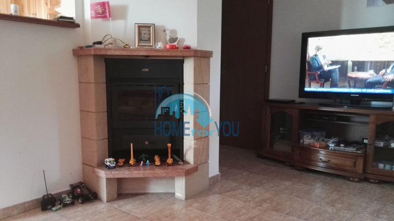 Добротный дом для постоянного проживания в местности Кошарица вблизи города Несебр 22