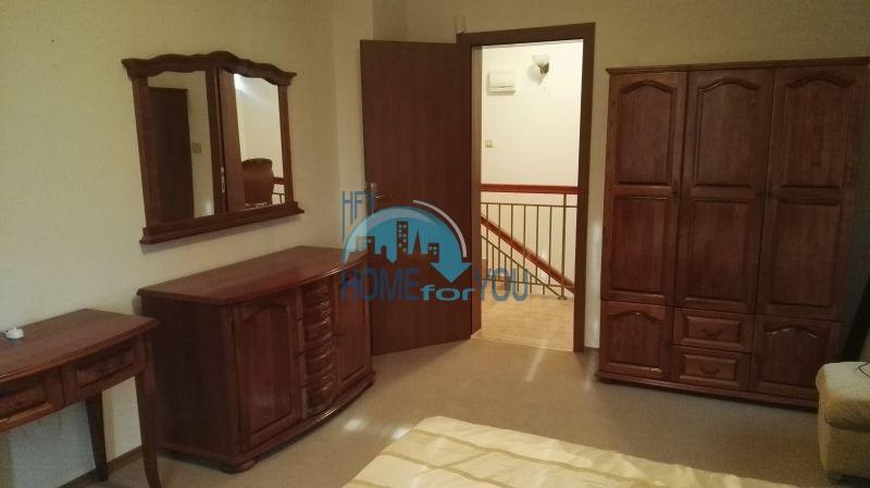 Добротный дом для постоянного проживания в местности Кошарица вблизи города Несебр 27