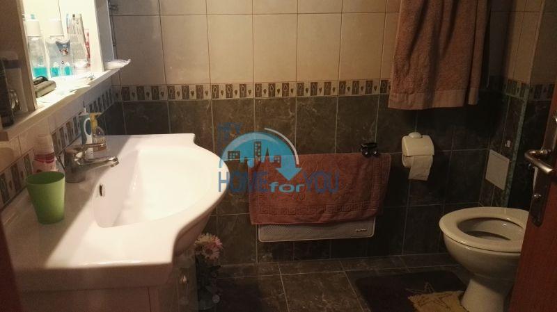 Добротный дом для постоянного проживания в местности Кошарица вблизи города Несебр 30