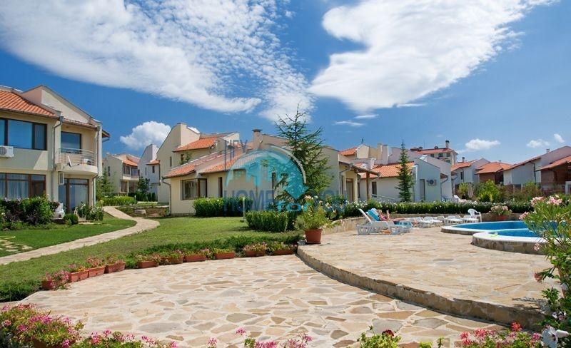 Добротный капитальный дом вблизи Несебра в местности Кошарица - Чолакова Чешма 3
