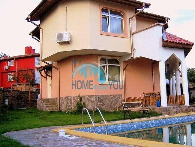 Добротный капитальный дом вблизи Несебра в местности Кошарица - Чолакова Чешма