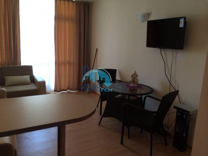 Двухкомнатная квартира на второй линии в городе Ахелой 4