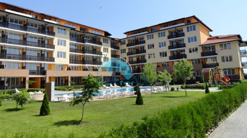 Затишний двокімнатний апартамент з просторою терасою за доступною ціною в містечку Ахелой6028