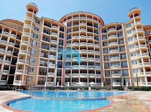 Двухкомнатная квартира с прекрасным видом на море в Элените недорого
