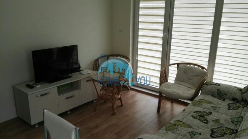 Двухкомнатная квартира с видом на море на первой линии в городе Бяла 5
