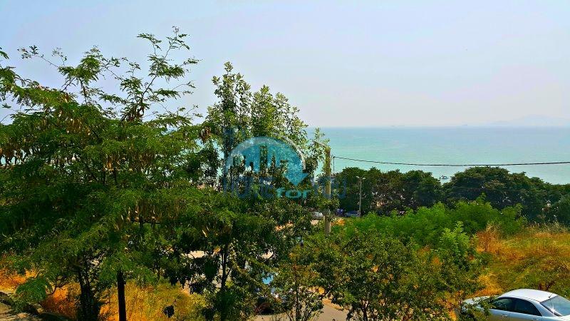 Двухкомнатная квартира с видом на море в жилом здании для ПМЖ в Сарафово, город Бургас
