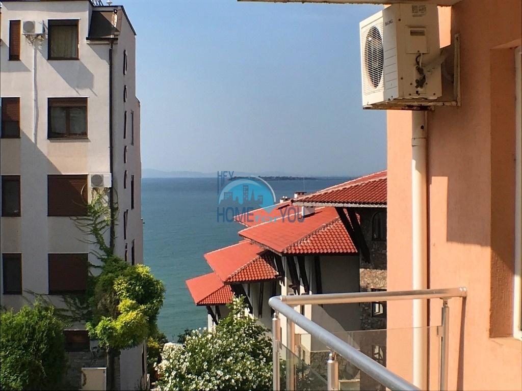 Двухкомнатный апартамент с частичным видом на море в комплексе вблизи соснового леса, курорт Святой Влас