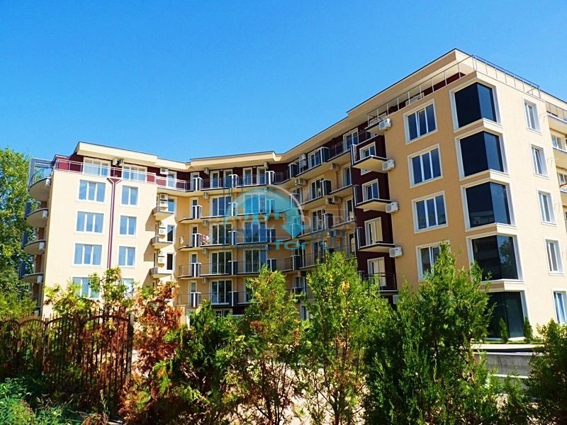 Двухуровневая четырехкомнатная квартира на курорте Солнечный берег