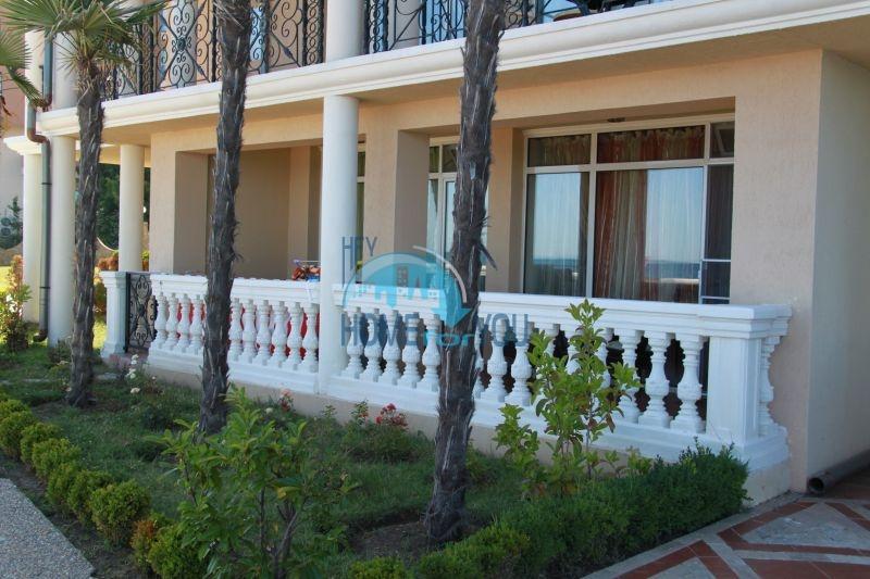 Елените - трехкомнатная квартира на первой линии с видом на море 2