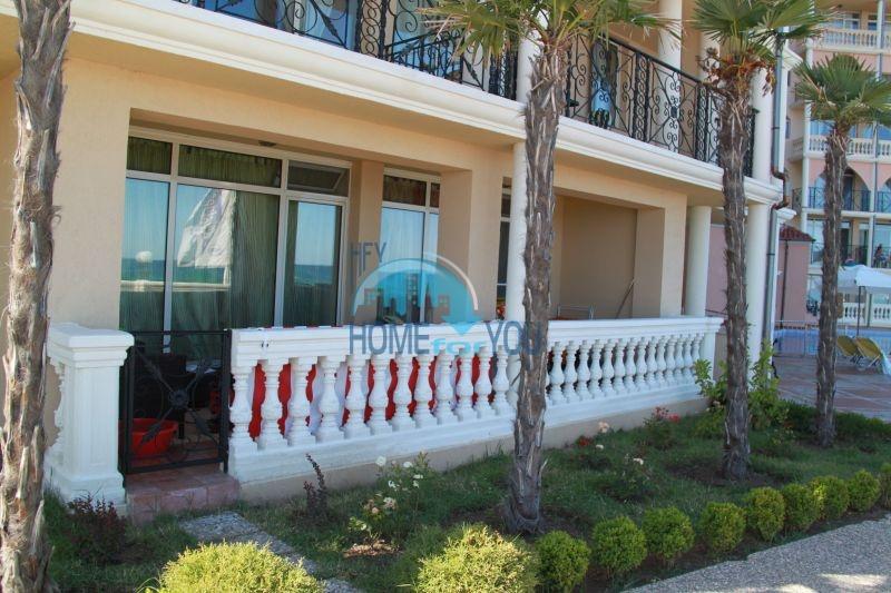 Елените - трехкомнатная квартира на первой линии с видом на море