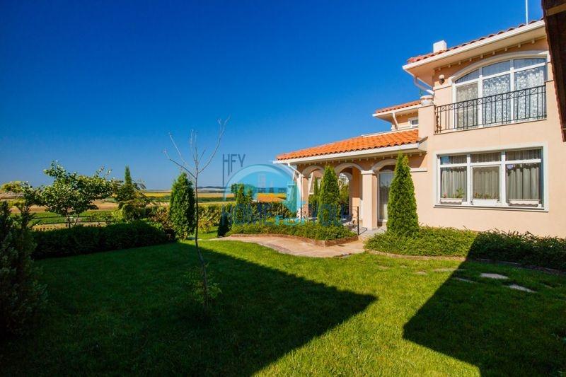 Фешенебельный дом с джакузи и качественной отделкой у моря в курортном поселке Кошарица 8