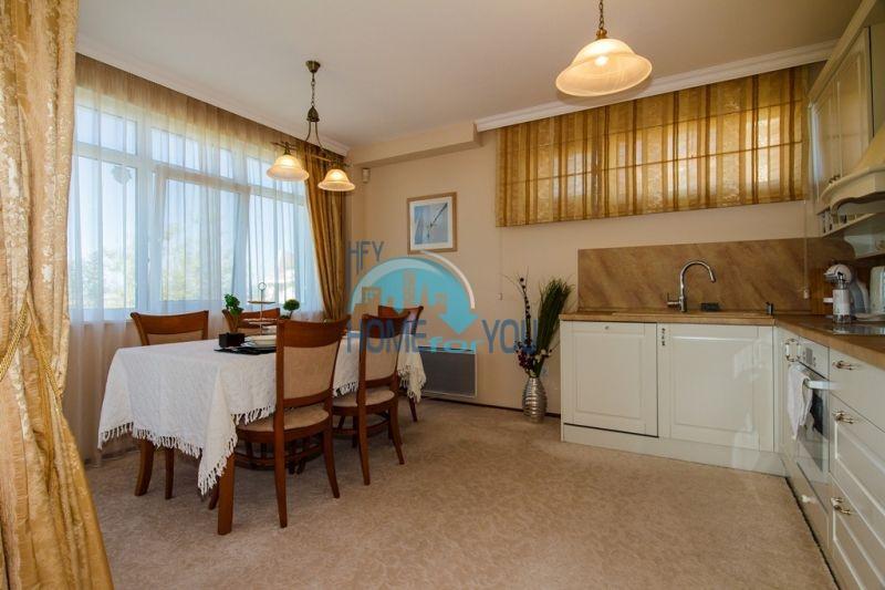 Фешенебельный дом с джакузи и качественной отделкой у моря в курортном поселке Кошарица 12