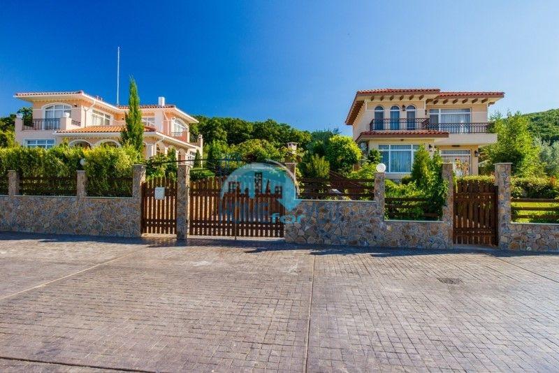 Фешенебельный дом с качественной отделкой у моря в курортном поселке Кошарица 3