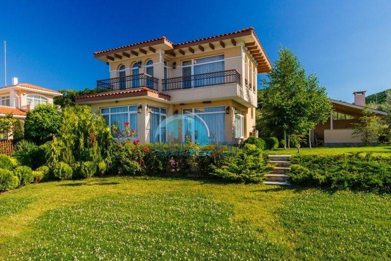 Фешенебельный дом с качественной отделкой у моря в курортном поселке Кошарица 6