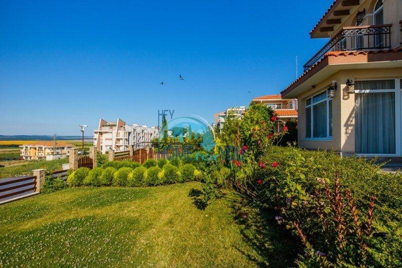 Фешенебельный дом с качественной отделкой у моря в курортном поселке Кошарица 8