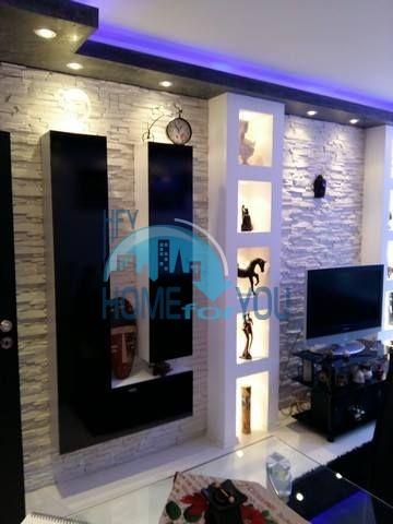 Красивая меблированная трехкомнатная квартира в жилом квартале Изгрев в Бургасе