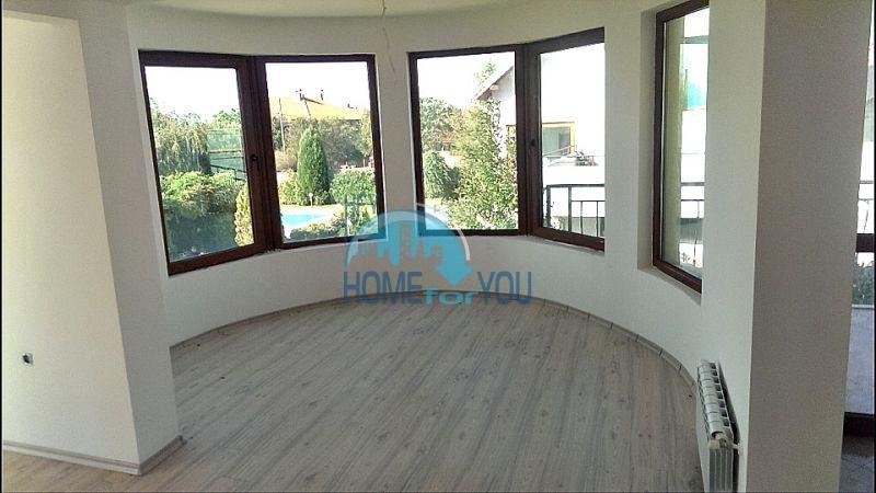 Красивый дом с бассейном возле минеральных бань в Бургасе, квартал Банево 6