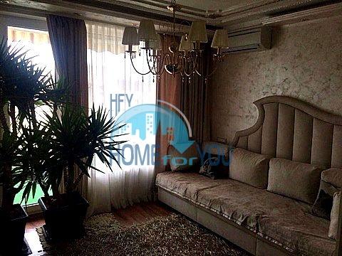 Меблированная светлая квартира с двумя спальнями в жилом доме Вилла Кастория в Равде 6