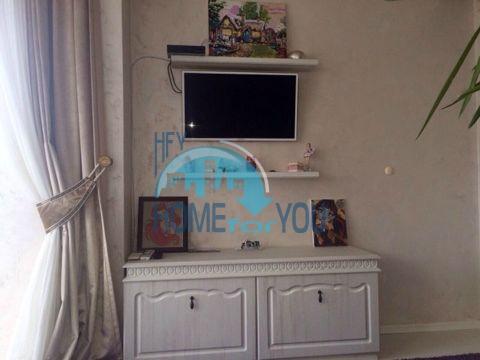 Меблированная светлая квартира с двумя спальнями в жилом доме Вилла Кастория в Равде 9