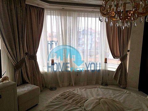 Меблированная светлая квартира с двумя спальнями в жилом доме Вилла Кастория в Равде 13