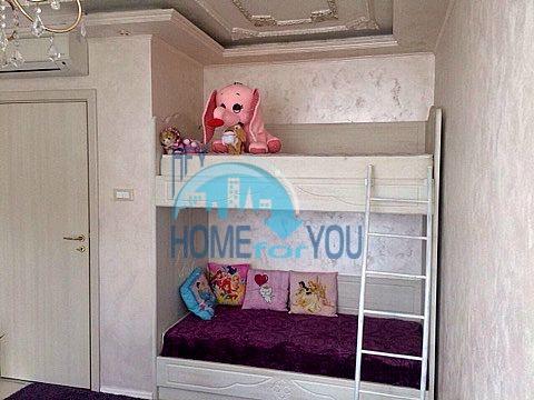Меблированная светлая квартира с двумя спальнями в жилом доме Вилла Кастория в Равде 16