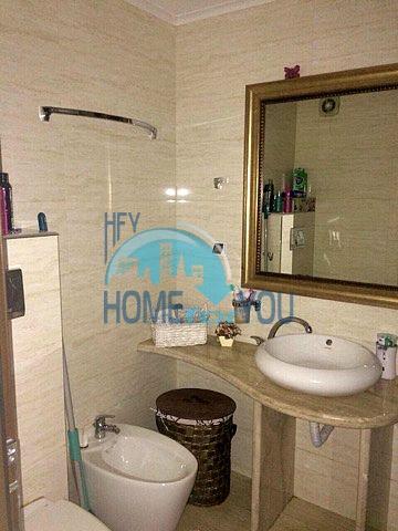 Меблированная светлая квартира с двумя спальнями в жилом доме Вилла Кастория в Равде 17