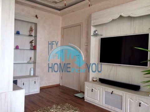 Меблированная светлая квартира с двумя спальнями в жилом доме Вилла Кастория в Равде 21