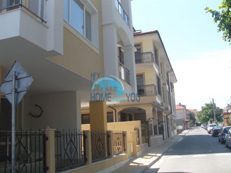 Меблированная светлая квартира с двумя спальнями в жилом доме Вилла Кастория в Равде 23