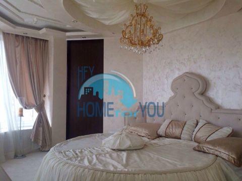 Меблированная светлая квартира с двумя спальнями в жилом доме Вилла Кастория в Равде 2