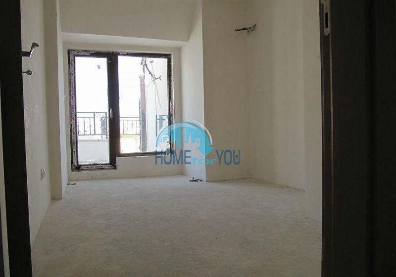 Многокомнатная квартира в Лазуре с видом на море, город Бургас 8