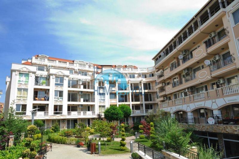 Светлый двухкомнатный апартамент в жилом комплексе Мелия-6, город-музей Несебр