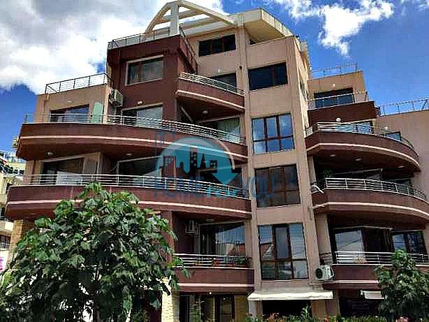 Новая  двухкомнатная квартира в городе Варан, кв. Бриз с видом на море для ПМЖ