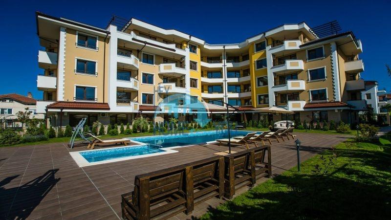 Новая двухкомнатная квартира с мебелью для ПМЖ в Равде