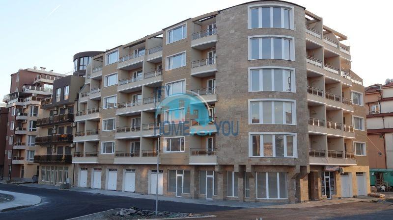 Новая двухкомнатная квартира в жилом здании у моря в бальнеологическом городе Поморие