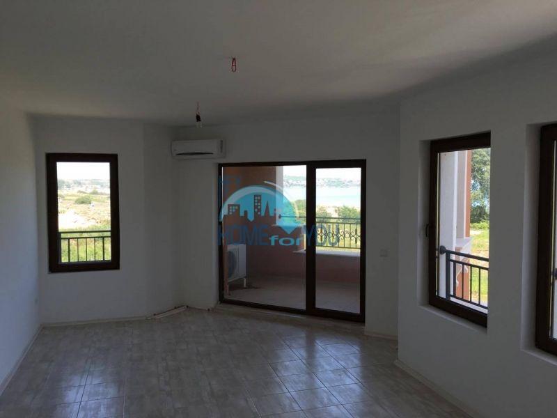 Новая трехкомнатная квартира с видом на море в комплексе Лили Бийч Ризорт, Созополь 9