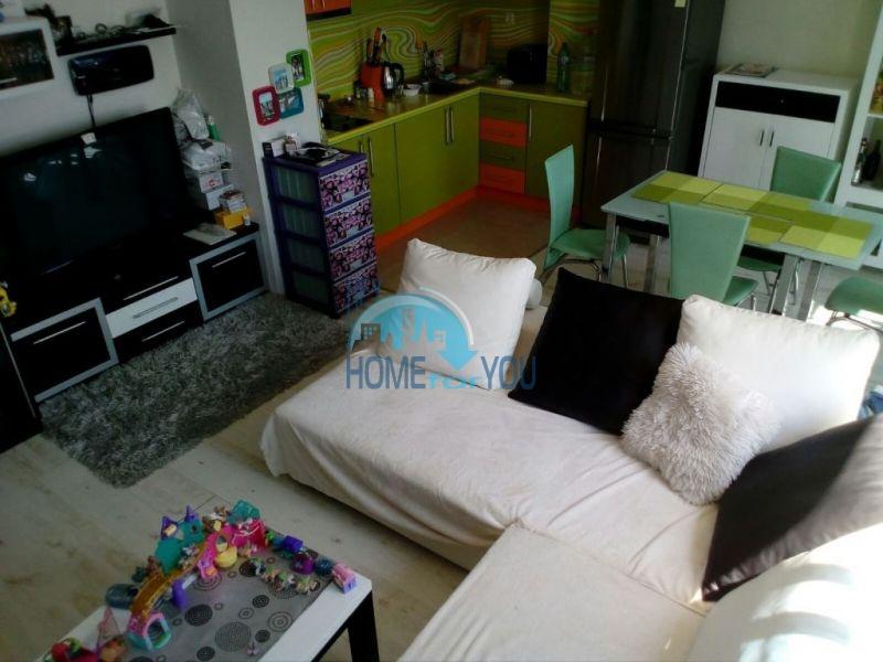 Очень просторная двухкомнатная квартира для ПМЖ на курорте Солнечный берег
