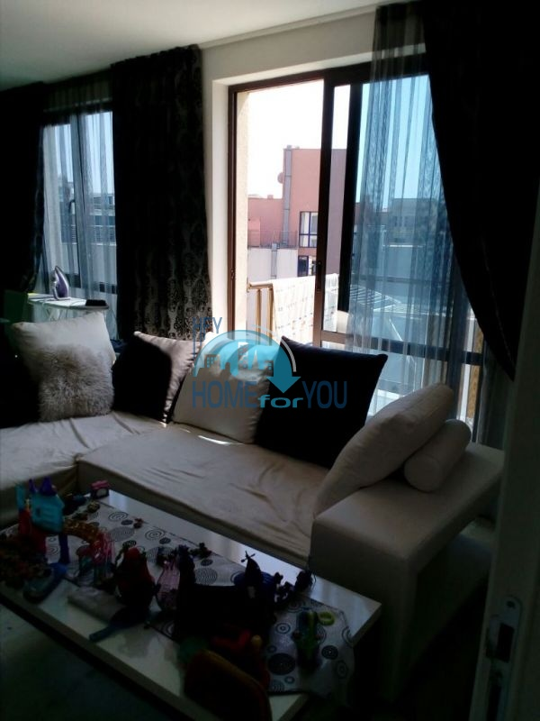 Очень просторная двухкомнатная квартира для ПМЖ на курорте Солнечный берег 6