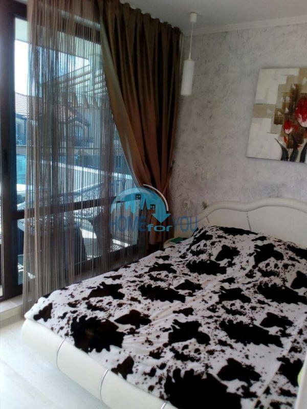 Очень просторная двухкомнатная квартира для ПМЖ на курорте Солнечный берег 9
