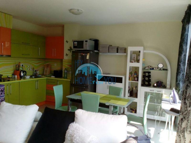 Очень просторная двухкомнатная квартира для ПМЖ на курорте Солнечный берег 2