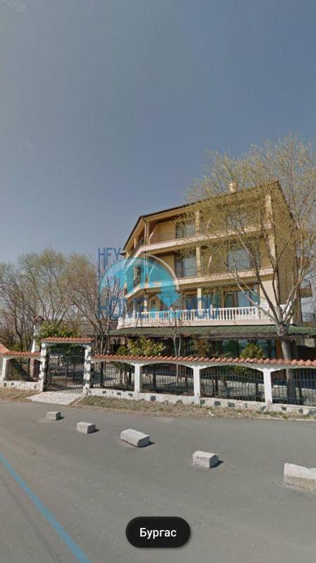 Отель с рестораном на первой линии в курортном городке Ахелой 4