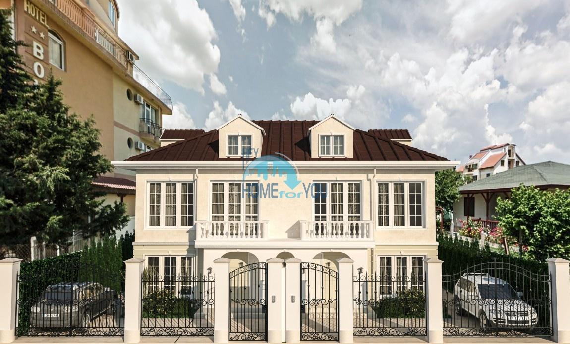 Потрясающие двухэтажные виллы с собственным двором для постоянного проживания в чудесном городке Равда